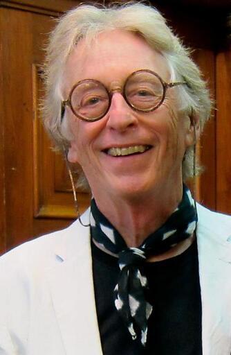Pianist und Puppenspieler Norman Shetler