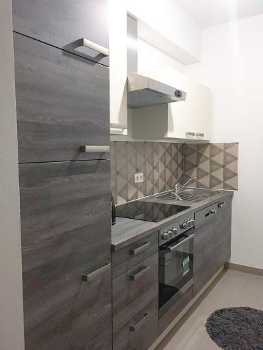 Die Organisation und Montage einer neuen Küche, welche im anschließenden Gebrauch zudem praktikabel sein soll, ist eine der schwierigsten Aufgaben bei dem Einzug in ein neues Zuhause.