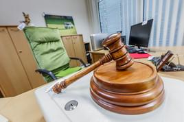 Commerzialbank: Nun kommt Puchers Büro unter den Hammer