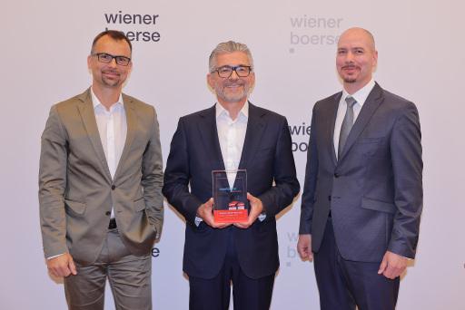Wiener Börse Preis 2021: voestalpine AG mit Journalistenpreis (3. Platz), von links nach rechts: Peter Felsbach (voestalpine AG), Herbert Eibensteiner (voestalpine AG), Peter Fleischer (veostalpine AG)