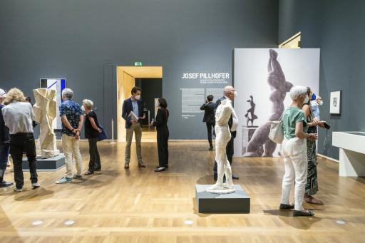 """Einblick in die Ausstellung """"Josef Pillhofer im Dialog mit Cézanne, Giacometti, Picasso, Rodin ..."""" im Leopold Museum anlässlich der Ausstellungseröffnung am Donnerstag, 17.06.2021"""