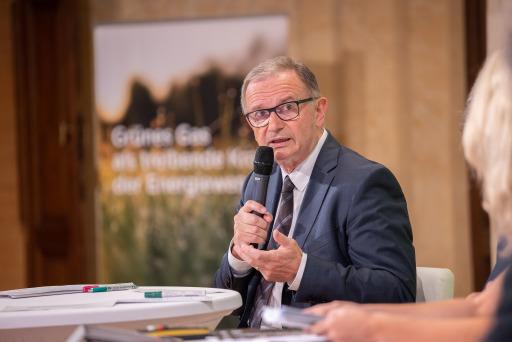 """Karlheinz Kopf, Generalsekretär der Wirtschaftskammer Österreich, warnte """"vor ideologisch festgelegten Technologieverboten""""."""