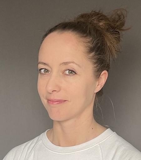 Portrait der Autorin Julia Peham-Zecha