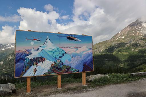Kunstwerk von Anna Meyer bei der Auffahrt von Heiligenblut