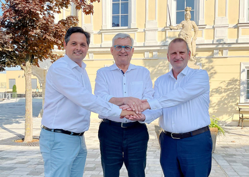 Mag. Lucas Sobotka, Geschäftsführung Kommunalnet; Mag. Alfred Riedl, Präsident Österreichischer Gemeindebund; Gerhard Fontan, Vorstand RMA (v.l.n.r.)