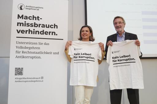 Dr. Mag. Andrea Fronaschütz (Leiterin des Österreichischen Gallup Instituts), Univ.-Prof. DDr. Heinz Mayer (Proponent des Volksbegehrens)