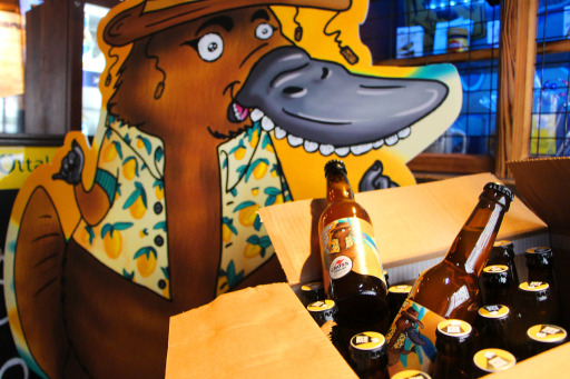 "Crossfield's Australian Pub mit neuem Craft Bier ""Beaver Duck IPA"""