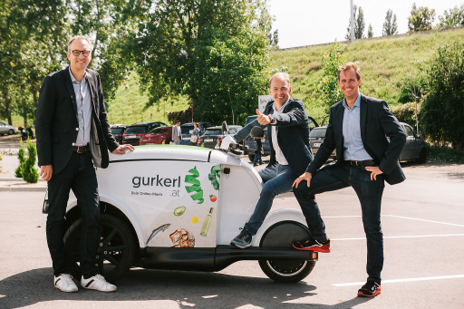 (v.l.n.r.): Stephan Lüger (Commercial Director bei gurkerl.at), Maurice Beurskens (CEO von gurkerl.at) und Stephan Höllerl (Head of Operations bei gurkerl.at)