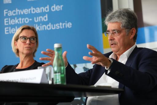 Marion Mitsch und Wolfgang Hesoun, Jahrespressekonferenz des FEEI - Fachverband der Elektro- & Elektronikindustrie am 9. September 2021.