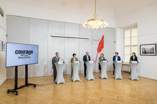 """Die """"Initiative Courage"""" - Mut zur Menschlichkeit hat heute im Rahmen einer Pressekonferenz mehr Sicherheit für Geflüchtete und europäische Solidarität zur Entlastung der EU-Grenzländer gefordert."""