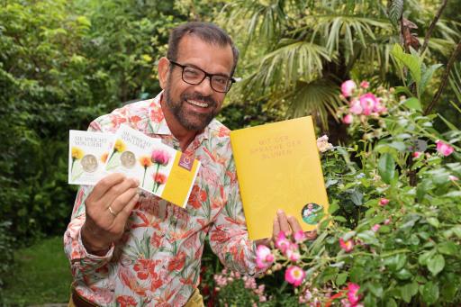 Karl Ploberger beherrscht sie fließend und empfiehlt die Sprache der Blumen