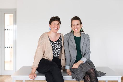 Cara Mielzarek und Stefanie Schöffmann von look! design haben sich vor allem mit der Inszenierung von Marken im Raum einen Namen gemacht.