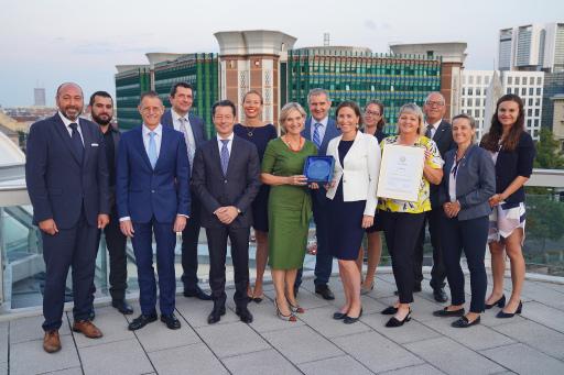 """VAMED-KMB: Auszeichnung für """"exzellente Mitarbeiterorientierung"""" und neue Benchmarks in zwölf Kategorien."""