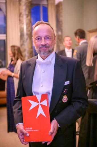 RA (D) Ralf-Wolfgang Lothert, Mitglied der Geschäftsleitung & Head of Corporate Affairs & Communication von JTI Austria erhält die Verdienstmedaille des Malteser Hospitaldienstes Austria