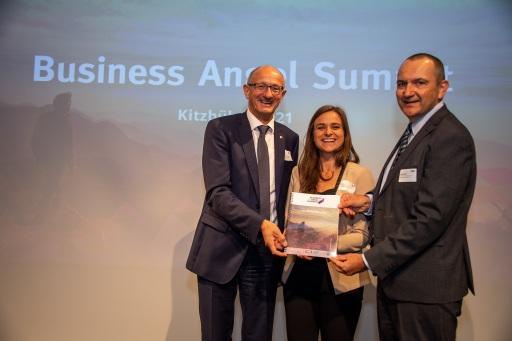 Tirols Wirtschaftslandesrat Anton Mattle (li), Lisa Spöck (Standortagentur Tirol) und Kurt Leutgeb (Geschäftsfeldleiter Garantien/Eigenkapital Austria Wirtschaftsservice GmbH, re.) beim Business Angel Summit 2021.