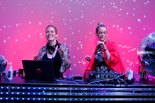ETEPETETE sorgte bei der Aftershow-Party des futurezone Awards für coole Beats auf der Tanzfläche