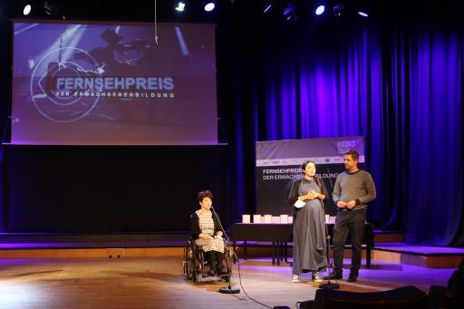 Ivana Veznikova, Antina Zlatkova und Thomas Lindermayer (v.l.n.r.) bei der Preisverleihung im Wiener RadioKulturhaus.