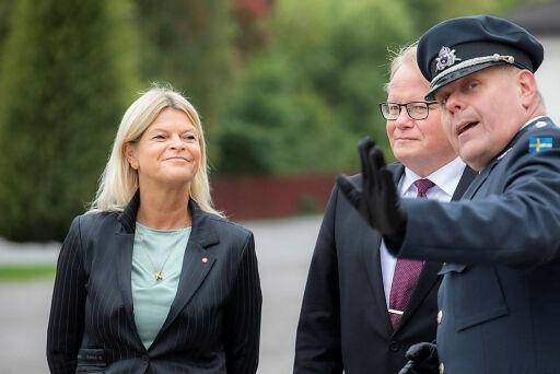 Verteidigungsministerin Tanner besucht den schwedischen Amtskollegen.