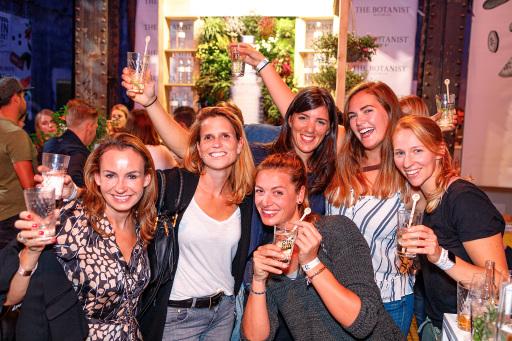 Beim Ginmarkt - Das Festival wird verkostet, gelacht und gefeiert!
