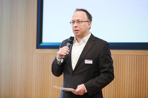 ISPA Präsident Harald Kapper begrüßt die Gäste beim diesjährigen Internet Summit Austria 2021