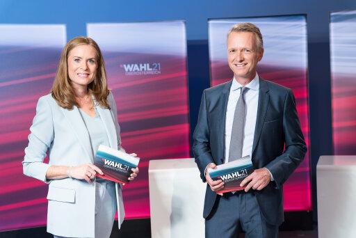 Maria Theiner und ORF Oberösterreich-Chefredakteur Klaus Obereder berichten am Wahlsonntag live aus der Landeswahlzentrale im Linzer Ursulinenhof.