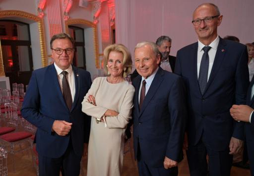 v.l.: Gastgeber Landeshauptmann Günther Platter, Elisabeth Gürtler (Astoria Resorts) Arthur Thöni (Tiroler Unternehmerlegende) und Landesrat Anton Mattle
