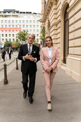 Viktor Juschtschenko und Alena Shevtsova werben um Investoren für den ukrainischen Fintech-Sektor