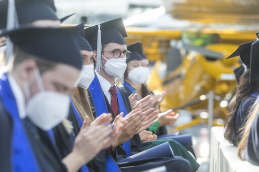 Stolze Mediziner*innen bekamen ihren Doktor-Titel verliehen