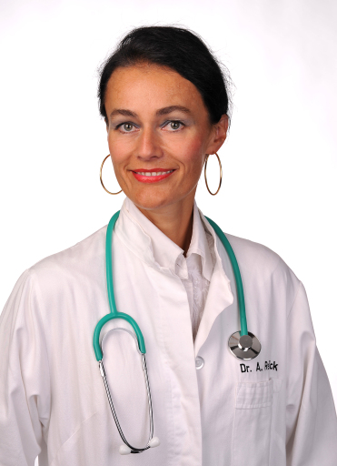 Portrait Dr. Angelika Reitböck