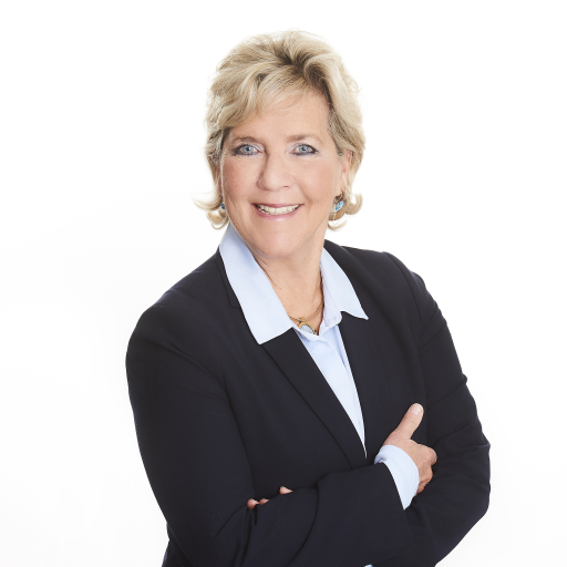 Dagmar Lang, seit 2003 Geschäftsführerin des Manstein Verlags, wird sich auf eigenen Wunsch auf die Rolle der Herausgeberin und damit auf die publizistischen Themen konzentrieren.