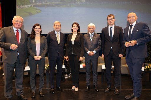 Institut der Regionen Europas IRE .17.. Europe Summit in Salzburg...Foto: Franz Neumayr 27.9.2021