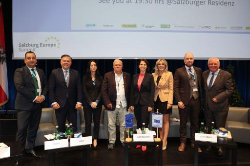 Institut der Regionen Europas IRE .17.. Europe Summit in Salzburg..Foto: Franz Neumayr 26.9.2021
