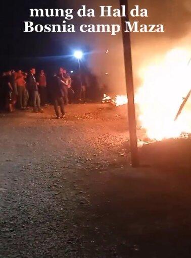 Video des Brandes im Flüchtlingslager Lipa in Bosnien.